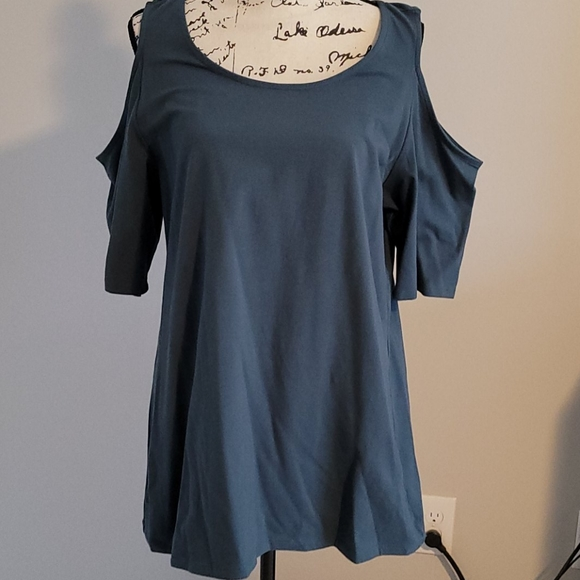 Cutout shirt blueish/gray color